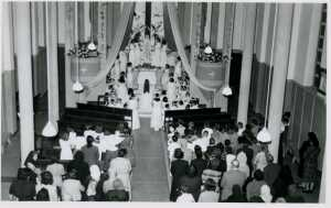 Mai 1954 Couronnement de la Vierge