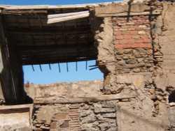 La MARINE ---- Maison en ruine appartenant � Pierrot et Anielka ROMEI ---- derri�re cette maison  et face � la mer  habitait la maman de Tchitchi