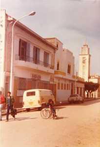 la Maison des PARRA et l'Eglise au fond