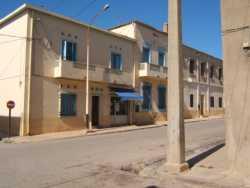 Intersection des rues Leblond et Sidi Rached MENDIL en face et BEKKAT � droite