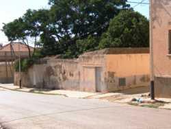 Rue Sidi Rached  La cour ombrag�e de l'ECOLE DES SOEURS Au fond: le toit de la Maison LLINARES Cosme