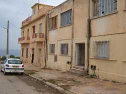 """face � la mer : Maison VICHET ---- ensuite :  Maison de DERAMCHIA  Abdelkader et Mustapha d�c�d�s lors du naufrage  du """"Jullietta"""" En 1958 ---- puis : Bloc des enseignants"""