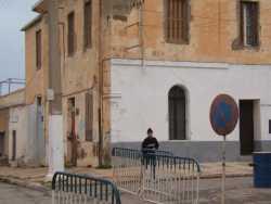 Porte rouge  la maison de la Famille MEYSONNAT ---- actuellement habit�e par Said YAHIA