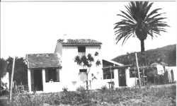 la Maison de M�m� GARCIA � l'emplacement de la future Cit� d'Urgence R�quisitionn�e puis d�truite par la Mairie pour en faire une Ecole