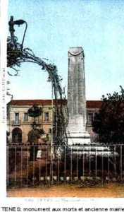 Le Monument aux Morts et l'ancienne Mairie