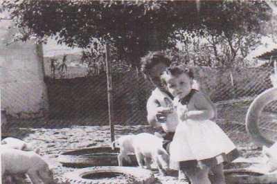 La famille BANON dans sa ferme au GUELTA