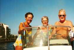 2000 - LE CAP d'AGDE ---- Christiane CAMILLERI Georgette LEY Jean ANDRE
