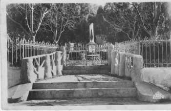 DUPLEIX Monument aux Morts