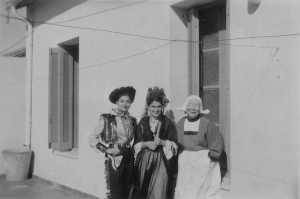 Mardi gras 1954 Colette BENSAID Maddy  SEROR x ?