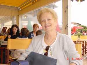 Suzanne SAGUES ---- Compagne de Serge SEROR 69-Les HAUTS CALLUIRE