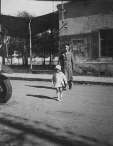Mai 1936 Maurice GUILLET et sa petite fille  Micou GARRISSON