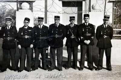 1957 la brigade de Gendarmerie du GUELTA ---- Jean LE BELLER Gaston RIGAL ABRIAL VIDAL EVRARD Paul FOLLEN Antoine MARTINEZ