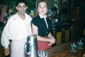 Janvier 1959 ---- MEKKAKIA le barman Eliane CARTEAUX