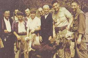 Une belle partie de chasse - vers 1950 ---- LONJON Melchior  Maire de Montenotte Florent LOPEZ Albert Birgi JP BERGONZOLI Alexandre DUVAL HAMOU Kardjoudje Francis BEAUSSIER Pierre BEAUSSIER
