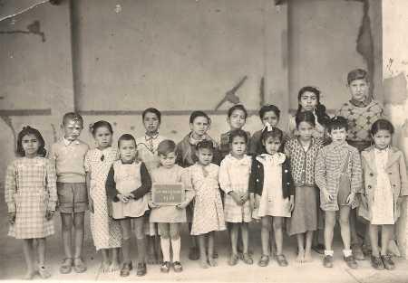 1948 Ecole des filles de CAVAIGNAC classe de Madame AUDIBERT ---- Rang du fond : 1- 2- 3- 4- 5- 6- 7- 8- 9- Louis GOTNICH  1er rang : 1- 2- Jean-Louis GADAY 3- 4- 5- 6- 7-Georges GADAY 8-
