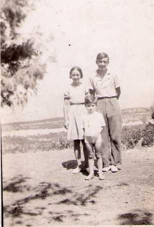 Robert, Suzanne et Jean Claude les enfants de Vincent et Vicente RODRIGUEZ