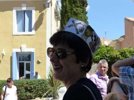 Marie-Paule LANGENDORF et son chapeau guignol