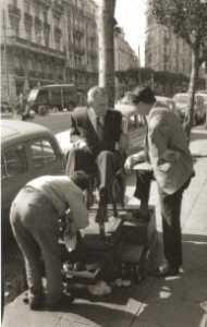 le cireur de souliers ALGER - carrefour des rues :  Michelet, Charras et Ballay