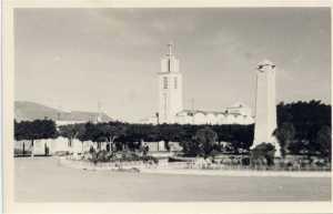 1952 l'Eglise et le Monument aux Morts