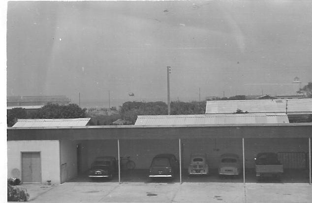 1961 - Hangars et parking de la Maison de l'Hydraulique