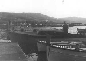 """le bateau """"VENUS"""" de la Famille CAMILLERI en 1960"""