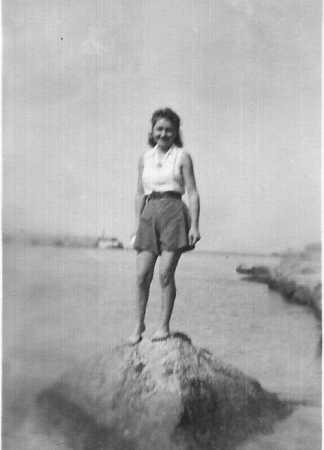 Lucienne BERNICOLA - 1945