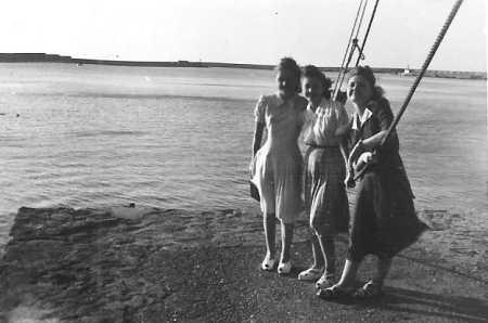 Lucienne et Josette les deux soeurs BERNICOLA
