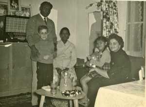 Famille MARIANI ---- M'Dou MARIANI (officier de Police judiciaire) Mme MARIANI Daniel WERY la fille MARIANI Rosette WERY