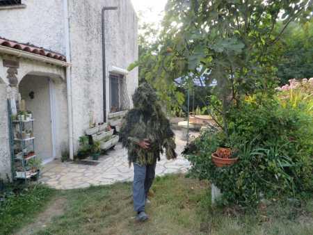 Alain DURAND avec sa tenue camouflage pour la chasse au sangliers