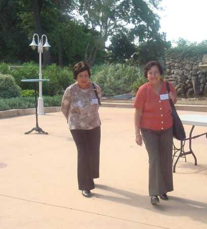 LA VIERE 2009 ---- Paulette et Claudine ORFILA