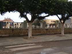 Place du Monuments aux Morts et la nouvelle Mairie