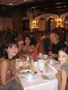 Christian RAZI son Epouse 2 de ses 3 Filles