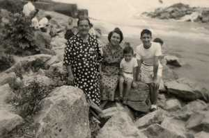 Familles ALBENTOSA/ROSTOLL :  Laure MASSON x x x