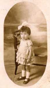 Yvette ROSTOLL enfant