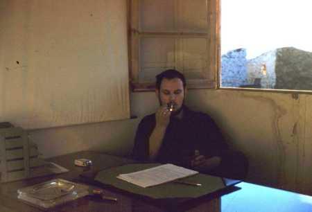 "Lucien PETROWSKI ""Igor"" dans son bureau"
