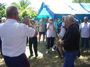 Le Douanier du village avec son clairon et  Jacky TORREGROSSA au saxophone