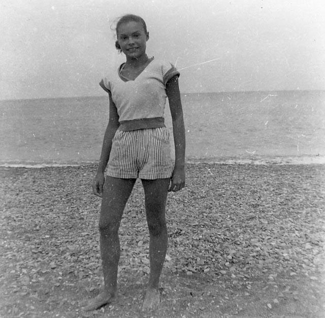 Danielle BARTOLINI ---- fille de l'inspecteur de police en 1958