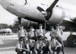 """1959 Paras de la classe 57/1C devant un DC 3 """"Dakota"""""""
