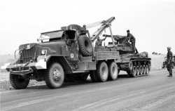 Wrecker ward La France M1 A1