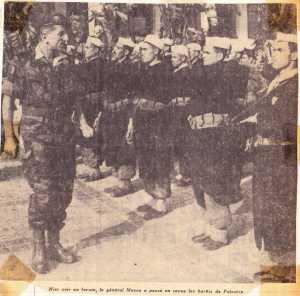 13 Mai 1958 ---- MASSU passe en revue les Harkis de PALESTRO