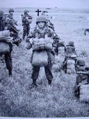 Adjudant STUWE 1er chef de section de DOVECAR Mort au combat en 1958