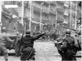Les BARRICADES Confrontation des CRS avec les manifestants