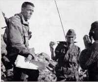 14 juillet 1957 A gauche le Lieutenant Olivier LEBLANC