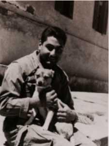Moment de tendresse  pour Bernard SCOTTO DI CARLO avec un petit chien