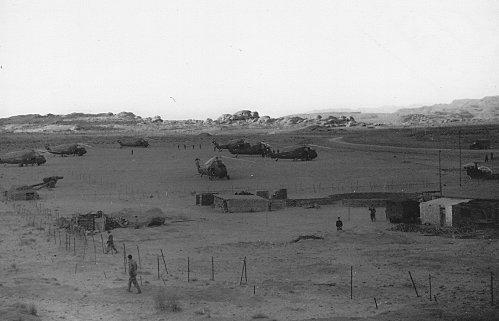 1961 Sur le barrage marocain  face a Figuig