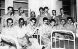Des prisonniers du FLN - debouts -  Ledoux Marcel, De Angelis Louis, Anton Edouard, Dubois Camille, Sauvage Gilbert, Costar Louis, Koeppel Raymond