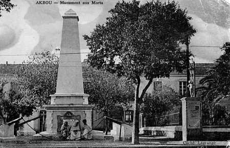 AKBOU - Le Monument aux Morts