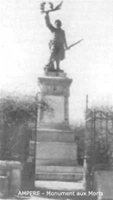 AMPERE - Le Monument aux Morts