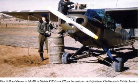 PIPER L-21 BM en ravitaaillement AFFLOU 1958 MdL MIREAU et LE MER
