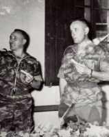 Lt Colonel BIGEARD et le capitaine FLORES